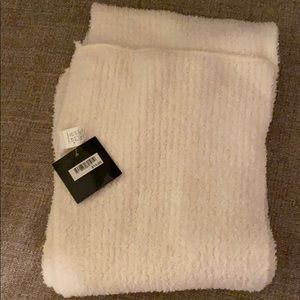 Nwt warm winter white scarf